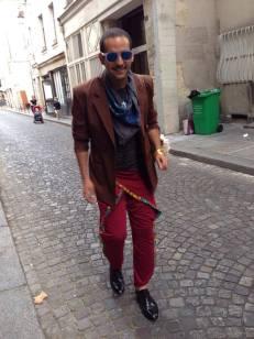 Ibi Ibrahim - Yemenis/ American photographer spotted during Paris Fashion Week, Paris 2014 wearing DENETH flower power Sri Lanka. 1st Yemenis to wear DENETH!